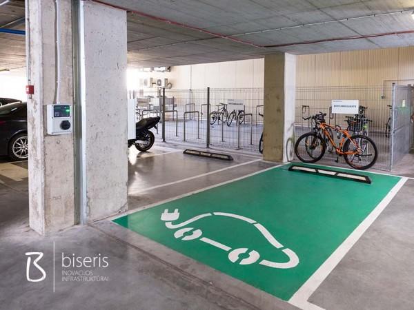 Elektromobilių pakrovimo stotelė (Technopolis)